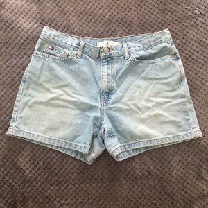 Vintage Tommy Hilfiger Jean Shorts, size 10